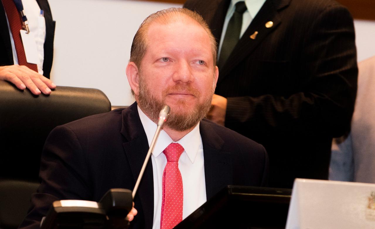 Sancionada lei de Othelino Neto que prevê uso de efetivo da Segurança para reforço nos municípios