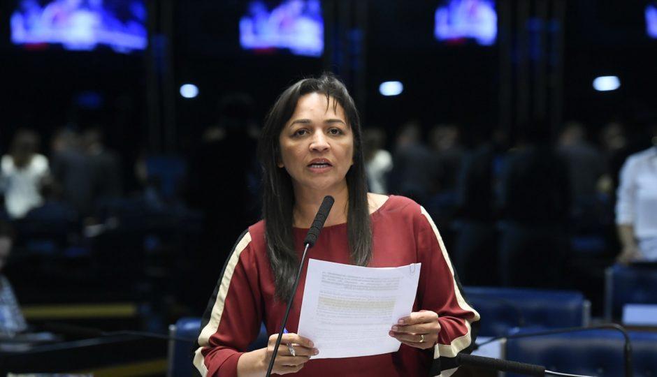 Eliziane diz que fala de Eduardo Bolsonaro sobre 'novo AI-5' é 'atentado à democracia'