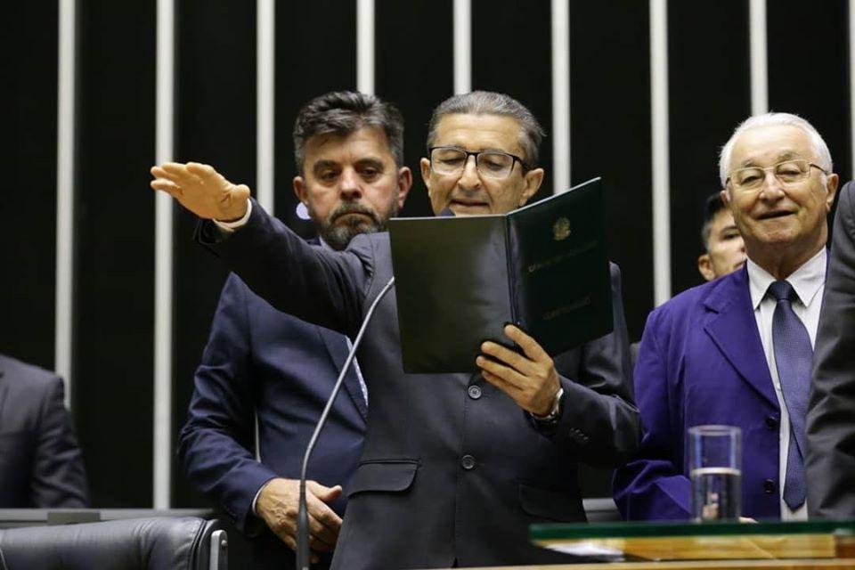Dr. Gonçalo assume na Câmara Federal e se filia ao PRB