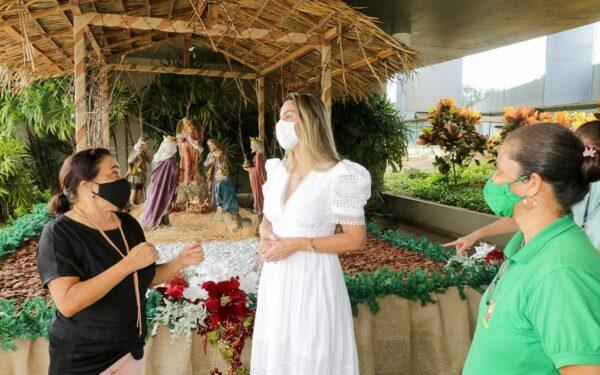 Presidente do Gedema acompanha montagem da decoração natalina da Alema…