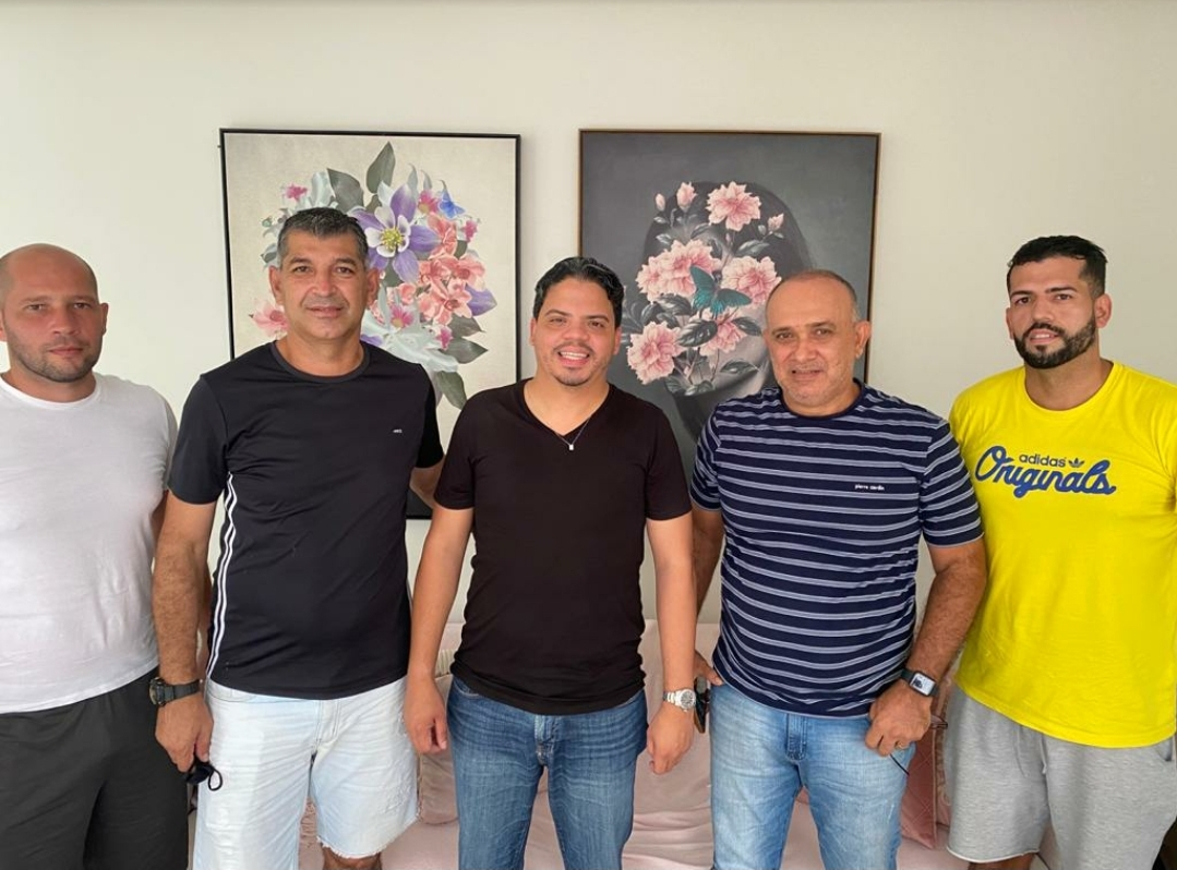 Em reunião com a diretoria e comissão técnica do PAC, prefeito Luciano reafirma apoio e discute o futuro do time…