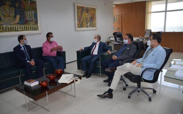 Presidente da Famem discute com MPMA e DPE sobre vacinação contra a Covid-19 no Maranhão…