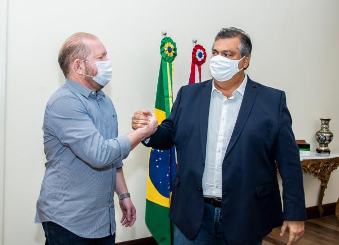 Othelino e Flávio Dino discutem novos projetos enviados à Assembleia e ressaltam harmonia entre os poderes…