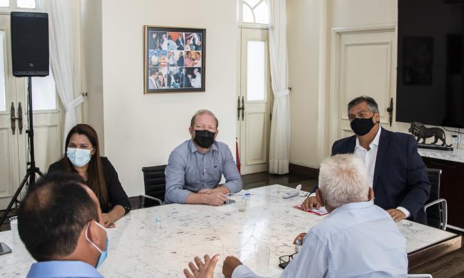 Othelino garante novas obras para Mirador durante reunião com Flávio Dino…